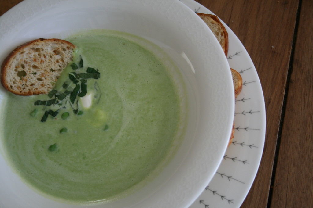 Pea Soup with Mint and Marscepone