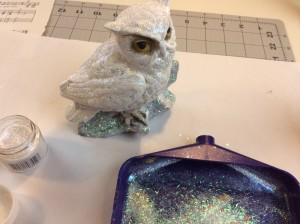 glitter on the snowy owls